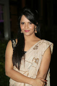 Anasuya sizzling photos in saree-thumbnail-8