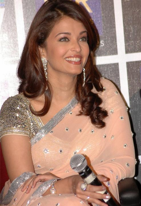 Aishwarya Rai Latest Hairstyles, Long Hairstyle 2011, Hairstyle 2011, New Long Hairstyle 2011, Celebrity Long Hairstyles 2079
