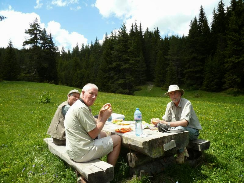 lunch during a birdwatching and photography trip