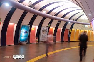 interior estación metro rio