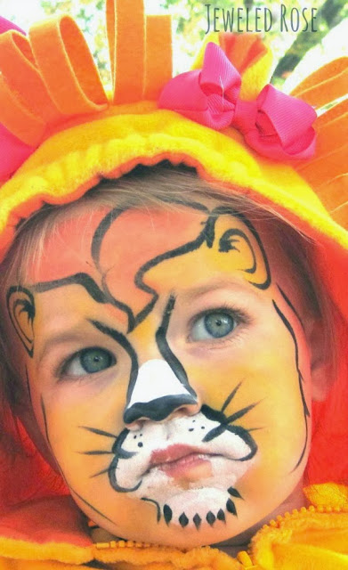 Make fabulous face art with this easy homemade face paint recipe