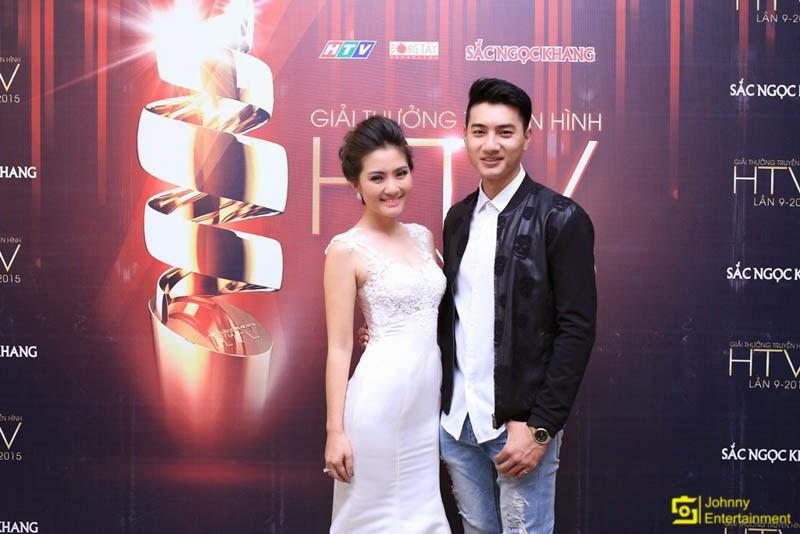 Diễn viên Ngọc Lan khoe dáng gợi cảm trên thảm đỏ HTV Awards