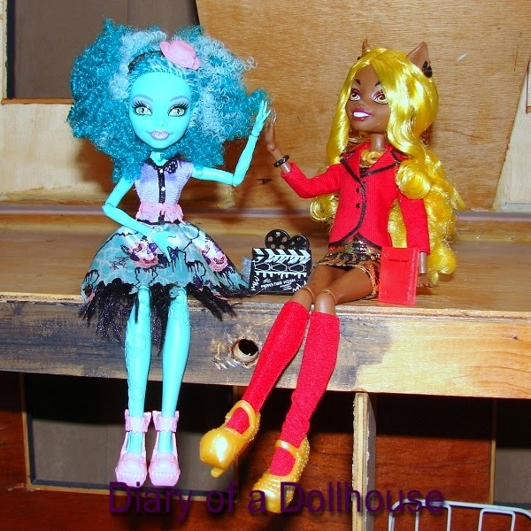 Honey Swamp and Clawdia Wolf Monster High Dolls