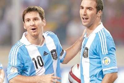"""Zambrano: """"Messi e Higuaín son unas niñas"""""""