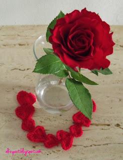 http://elizyart.blogspot.com.es/2013/02/love-hearts-roses.html