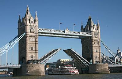 Tower Bridge (Jembatan Victorian Paling Terkenal) Britania Raya Inggris