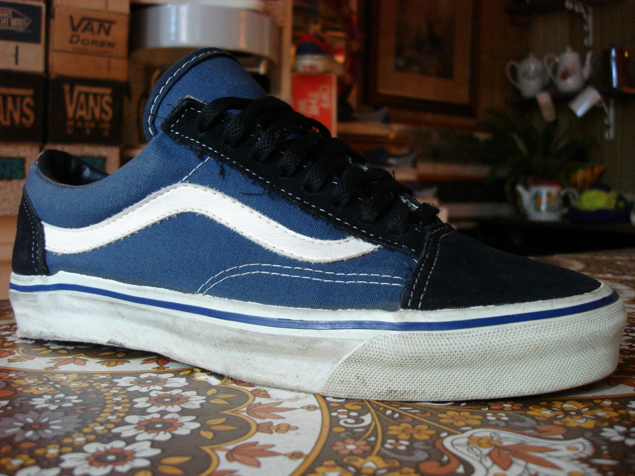 theothersideofthepillow vintage vans navy old skool style. Black Bedroom Furniture Sets. Home Design Ideas