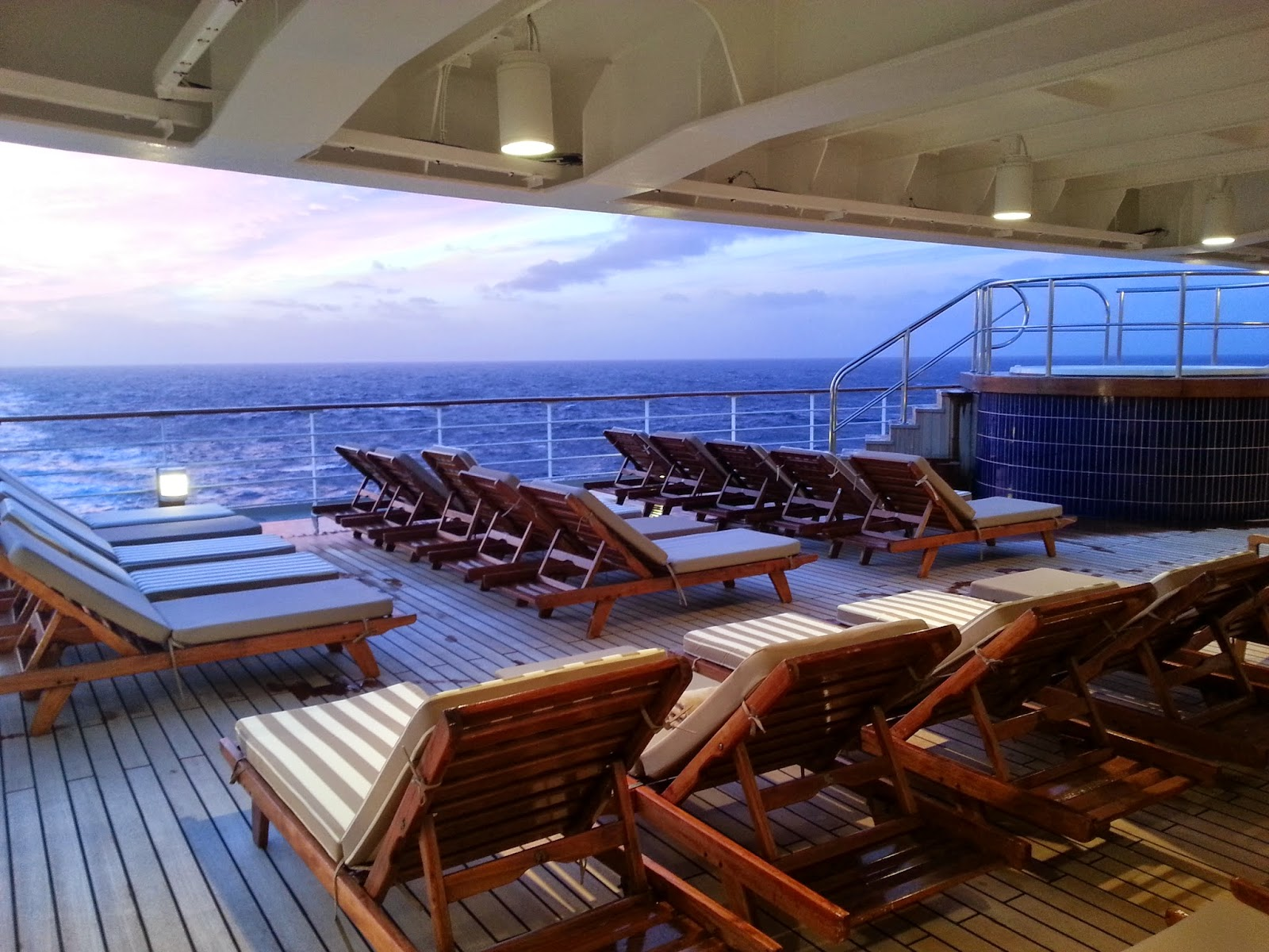 Queen Mary 2 (QM2) - Outside passenger decks - Aft