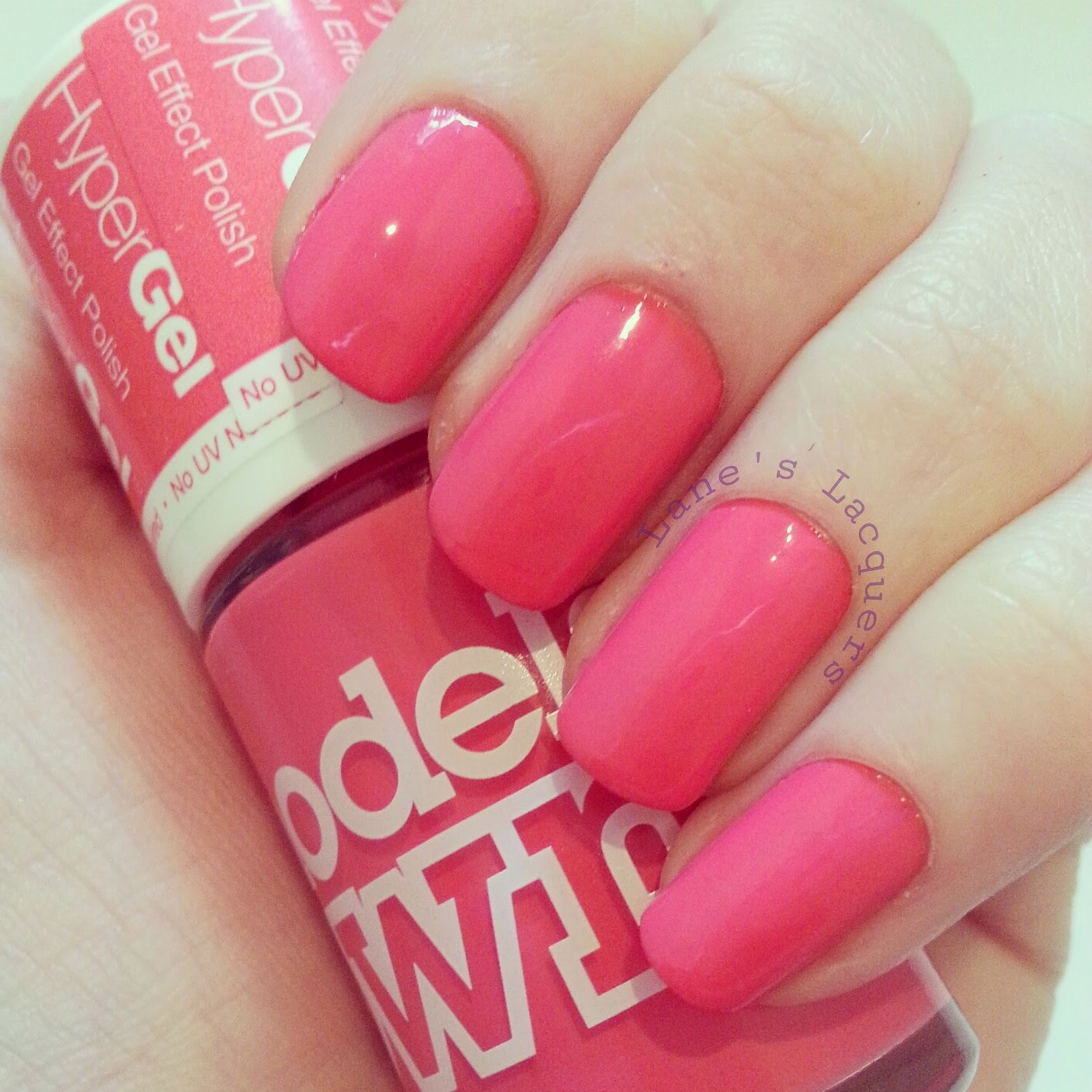 models-own-hypergels-searing-pink-swatch