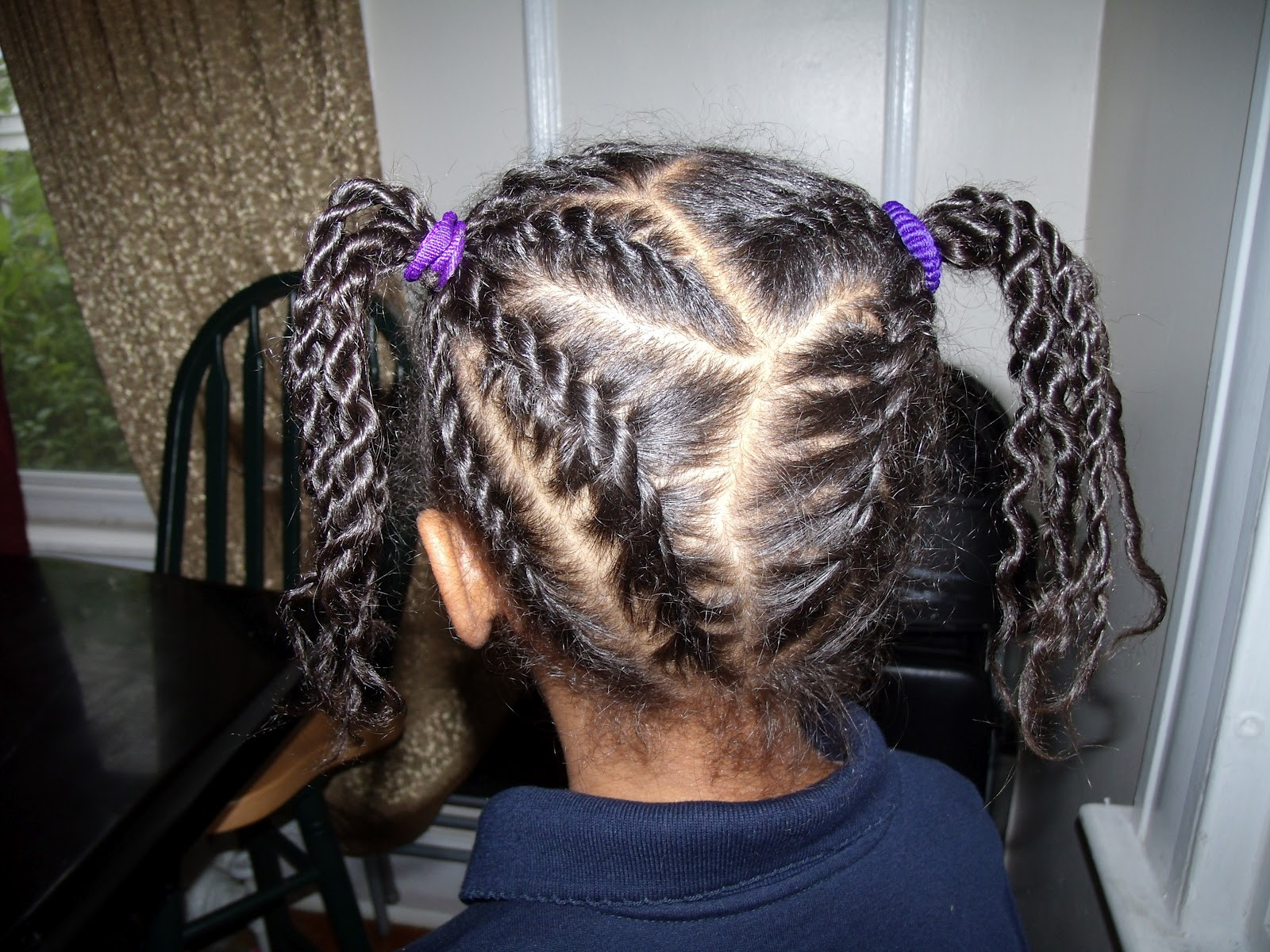 Flat Rope Twist Ponytail And The Resulting Out