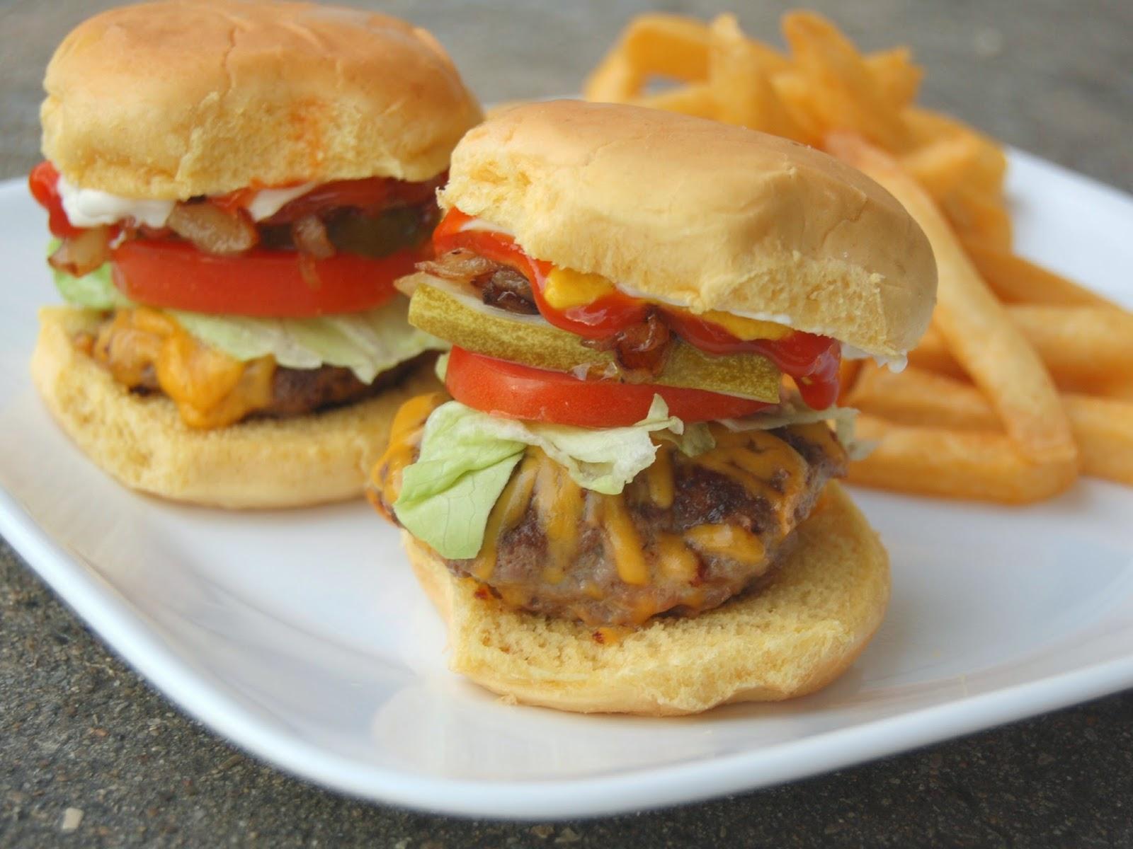 bacon cheeseburger sliders