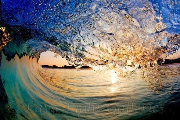Nick Selway fotografia ondas do mar por dentro quebrando na praia