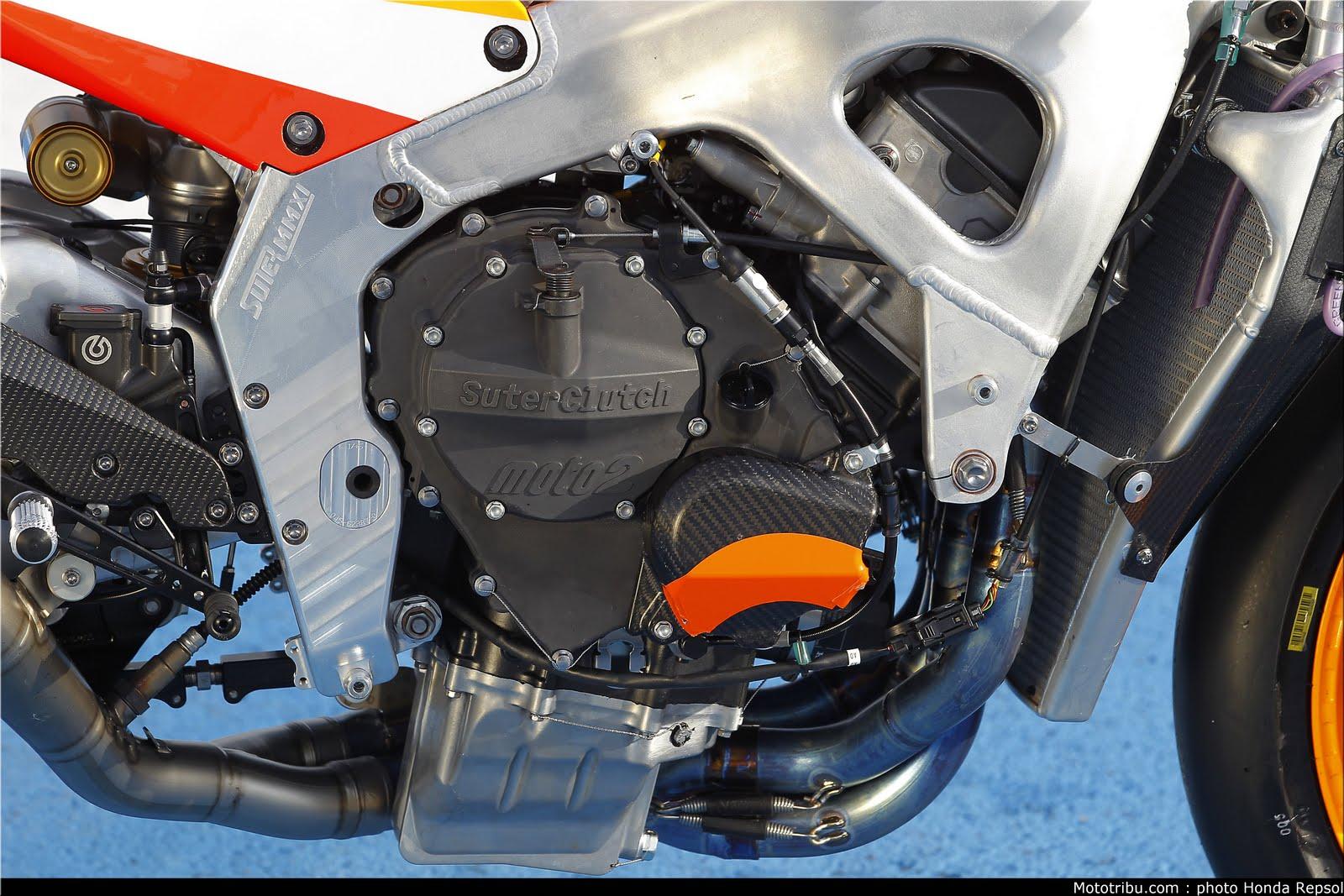 Machines de courses ( Race bikes ) - Page 7 Suter%2BMMX%2BMarquez%2B2011%2B08