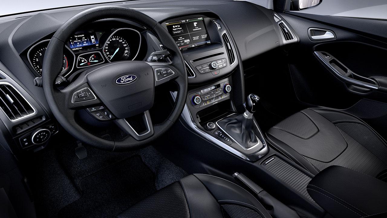 Ford Focus 5 door dash