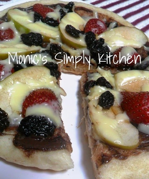 pizza manis topping buah