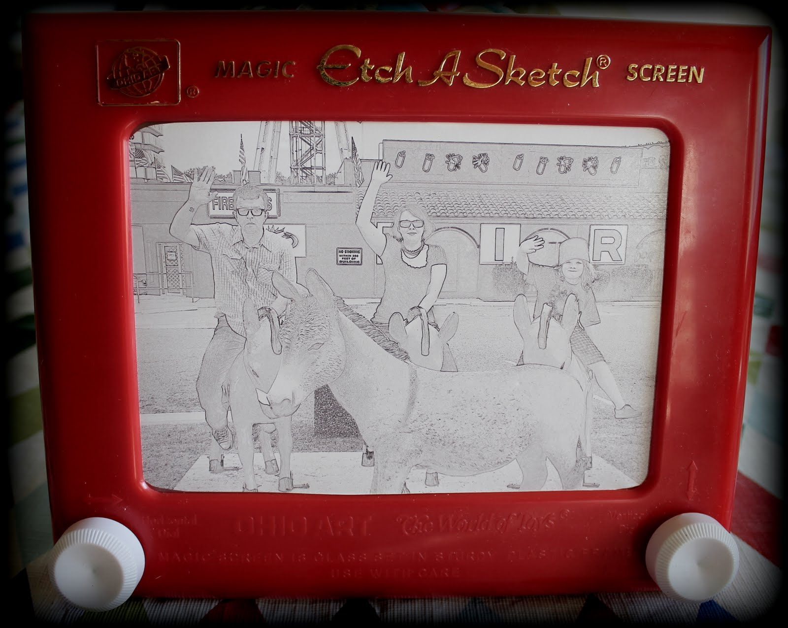 my house is cuter than yours~*: Etch-a-Sketch Portraits