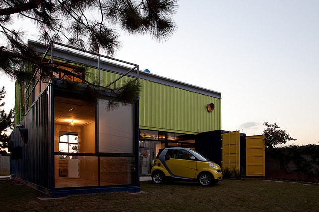 Shipping container homes multi container home casa for Casa in container