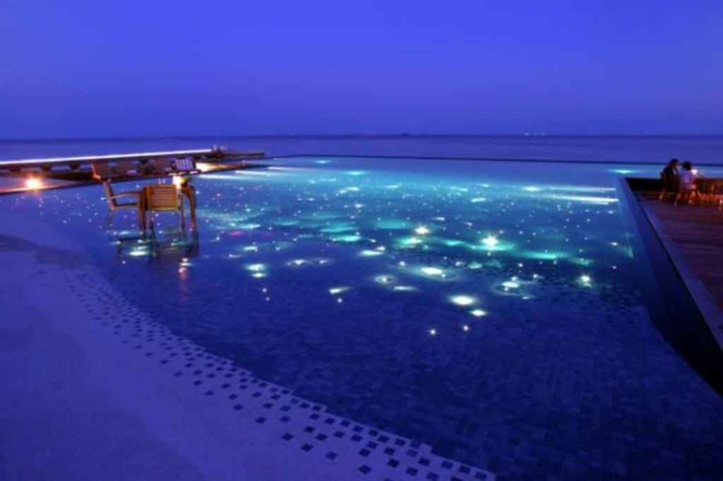 Eva b style infinity pools for Infinity swimming pools pictures