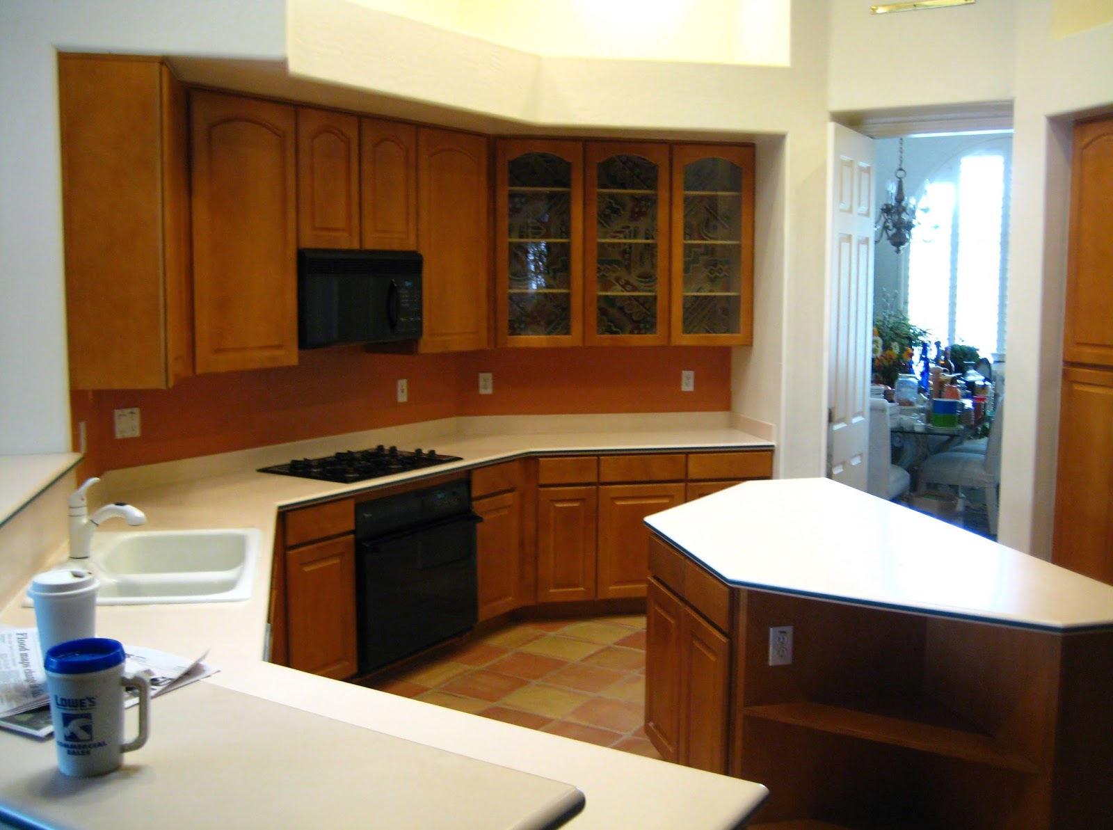 Do it yourself diy kitchen remodel on a budget home for Kitchen remodels on a budget photos