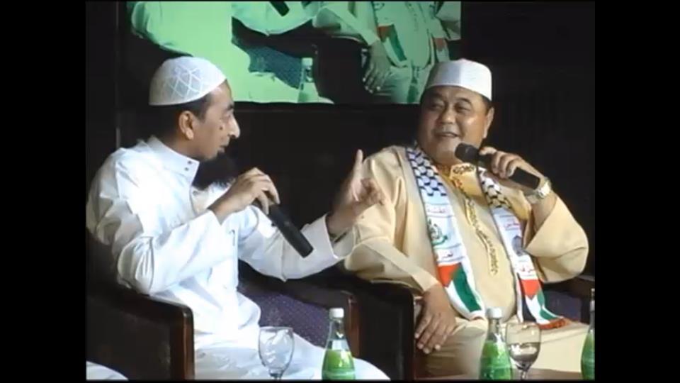 Bual bicara bersama Ustaz Azhar Idrus bersama Datuk Malek Nor - Foto