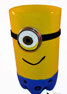 http://translate.googleusercontent.com/translate_c?depth=1&hl=es&rurl=translate.google.es&sl=en&tl=es&u=http://artsymomma.com/2015/01/plastic-bottle-minion-craft.html&usg=ALkJrhgDyUAq3eA1cRCI2In_OF2-ibPHaA