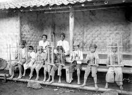Perkembangan Angklung di Indonesia