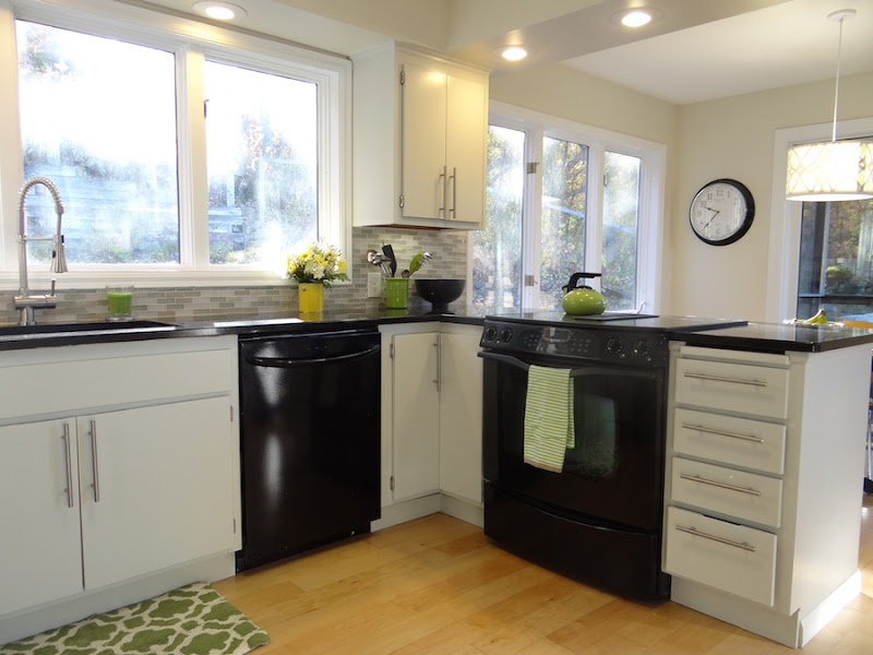 One project at a time diy blog kitchen reveal - White kitchen with black appliances ...