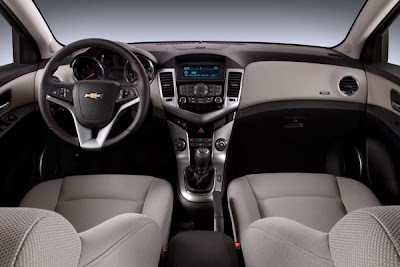 2011-Chevrolet-Cruze-Interior-Dashboard-View