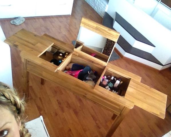 ma jolie coiffeuse sobre et l gante prix canon alin a. Black Bedroom Furniture Sets. Home Design Ideas
