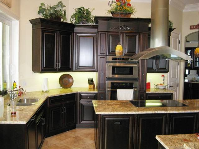 wall color for black kitchen cabinets