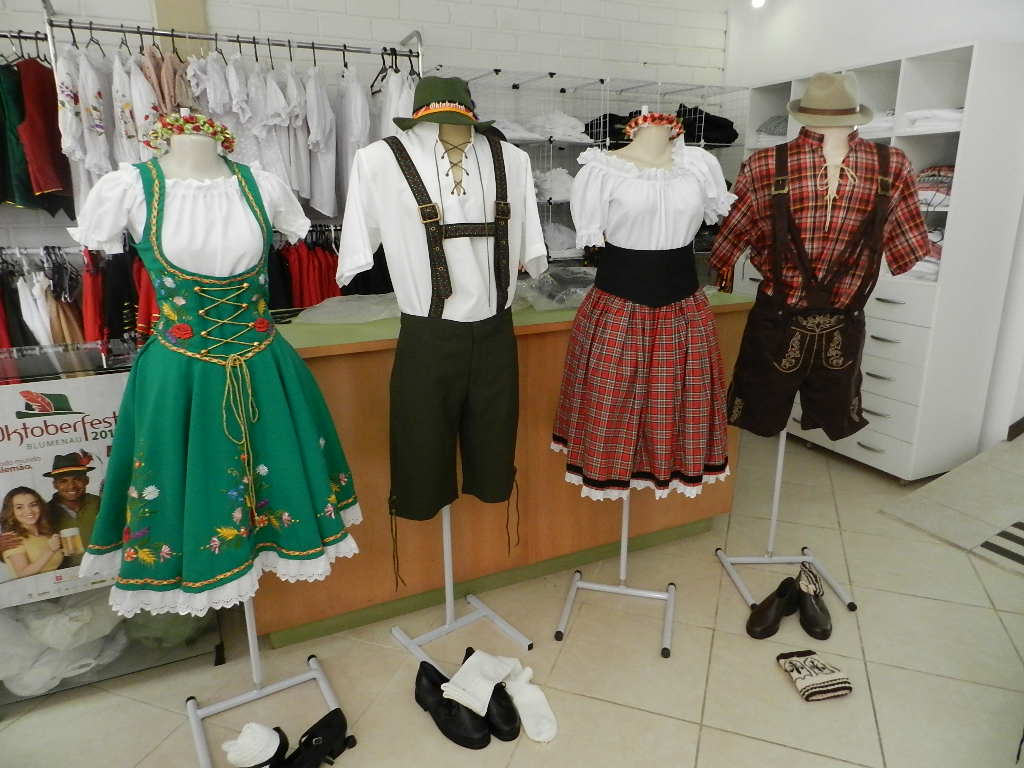 Amado Mirian Roza: Bem na Moda: Trajes típicos Oktoberfest 2011 ZF27