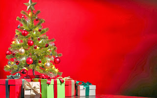 Special Christmas Tree and Gifts HD Wallpaer