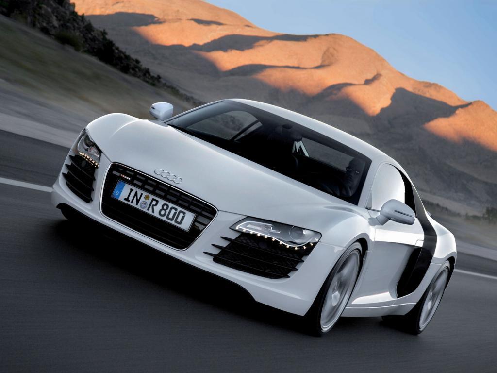 http://4.bp.blogspot.com/-XU3wX26q-Eg/TZ_b3GuJf9I/AAAAAAAADx0/P8r-8wHsxjE/s1600/Audi_R8_On_The_Road_1024x768.jpg