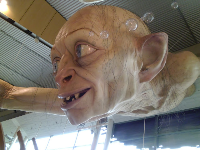 the hobbit, giant gollum at wellington airport