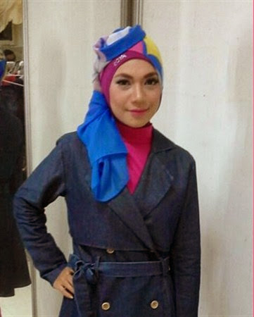model busana hijab indah nevertari