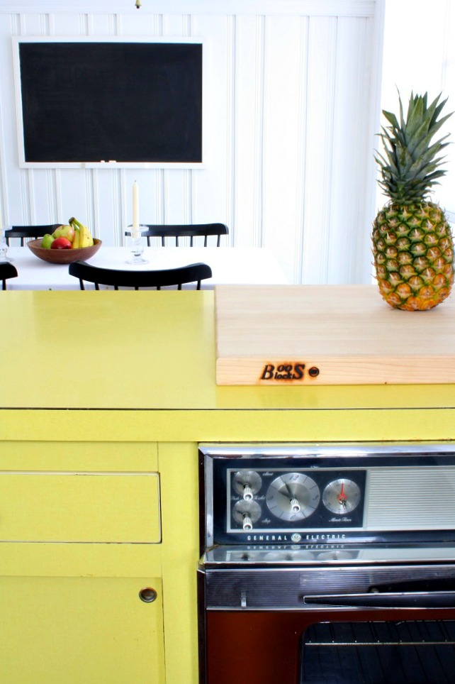 dated cough of those designs is the brown and yellow kitchen take a
