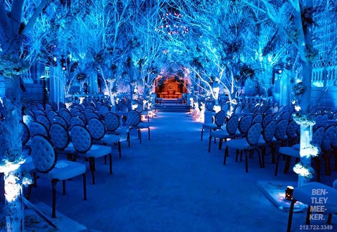 Blue And White Wedding Theme - Fresh Flowers