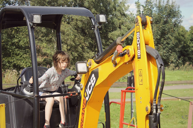 stuff at diggerland