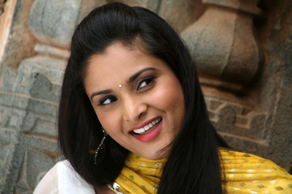 Tollywood Actress Wallpapers Free