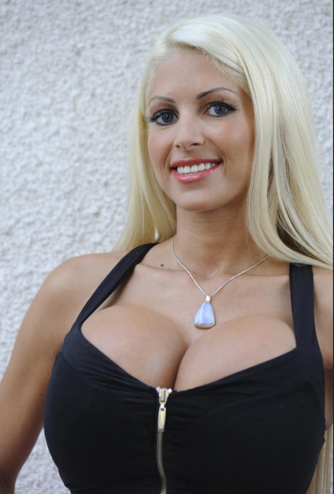 Bimbofication Stories: Big Tit Blonde Bimbo