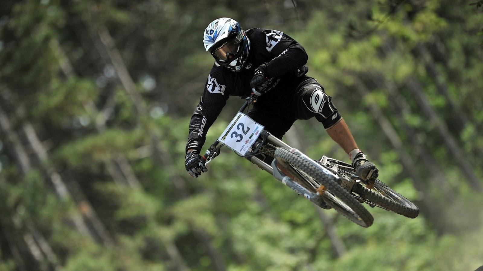 HD Wallpapers: Bike Stunt...