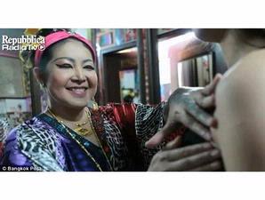 Terapi Tampar Payudara Dan Bokong Ala Thailand ! [ www.BlogApaAja.com ]