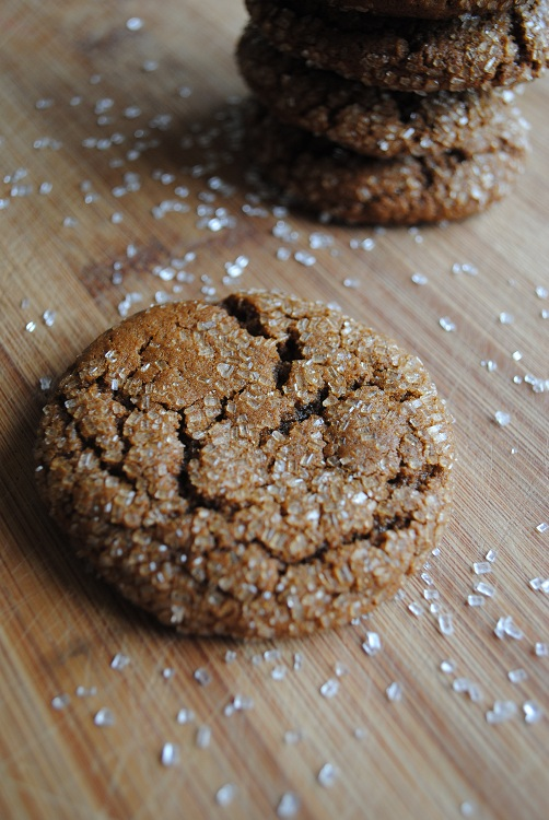 Lori's Lipsmacking Goodness: Molasses Crinkle Cookies