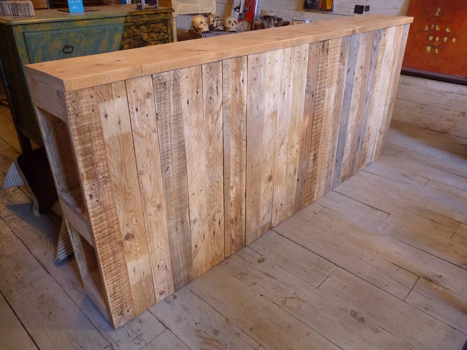 Le re acteur t te de lit palette front of bed wooden pallet - Tete de lit en palette de bois ...