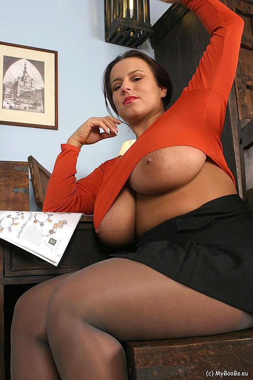 Большие сиськи в колготках фото 90908 фотография