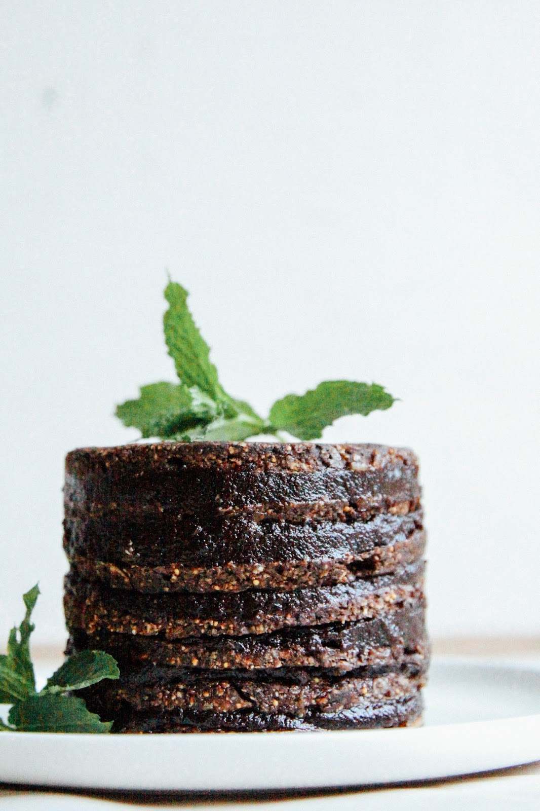 This Rawsome Vegan Life: DOUBLE CHOCOLATE LAYER CAKE