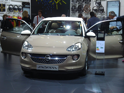 Opel Adam front brown