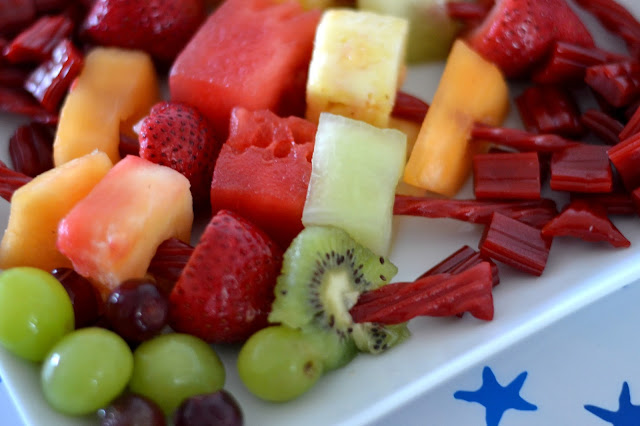Twisted Fruit Twizzler Kabobs, creative 4th of July dessert recipes, Twizzlers, Twizzler Summer, Fruit Kabobs