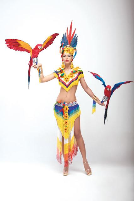 Srta. Colombia 2011-2012. Desfile en traje artesanal Cundinamarca: Thael Osorio Redondo