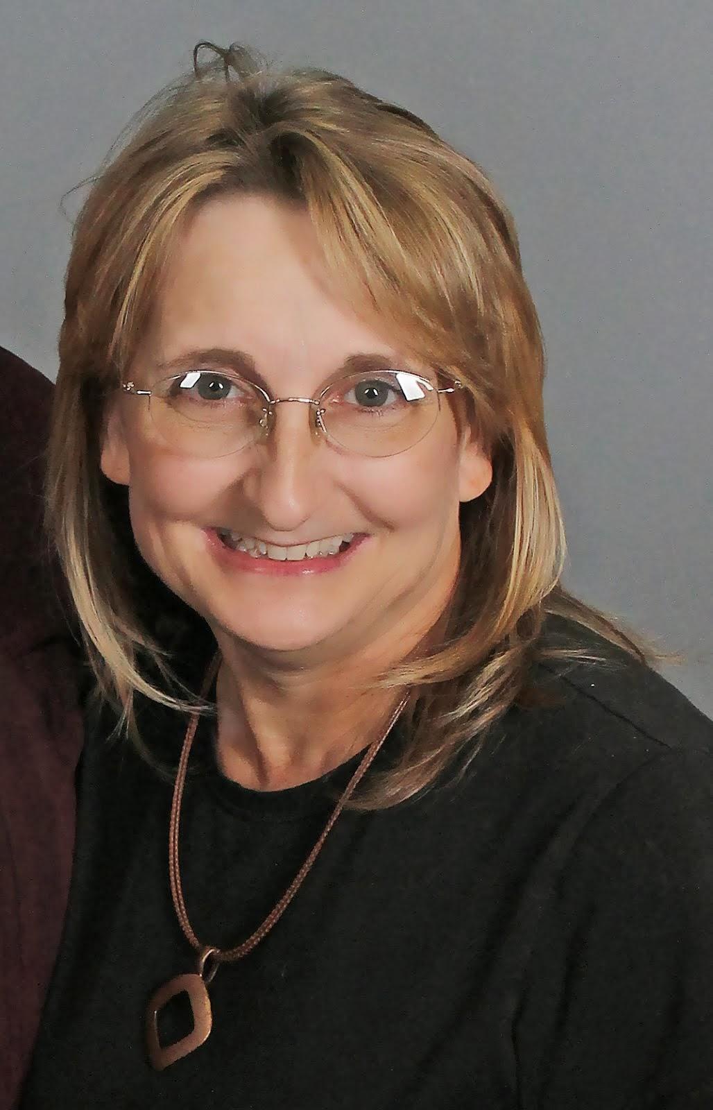 Annette Snyder-Novelist
